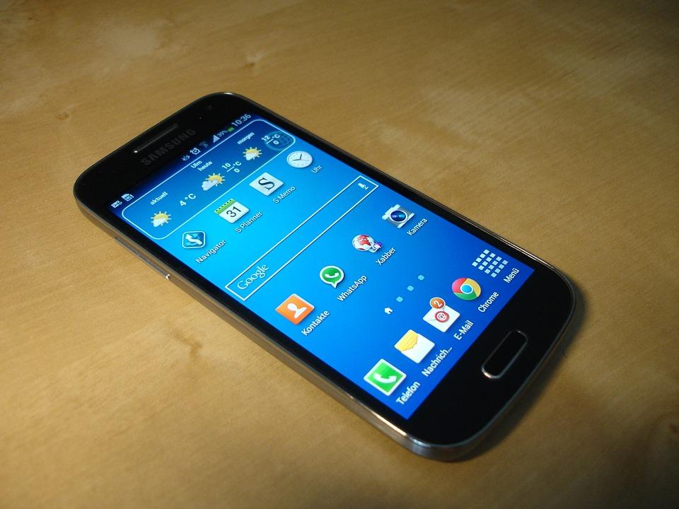 Samsung Galaxy S4 prende fuoco! L'azienda coreana rifiuta la sostituzione
